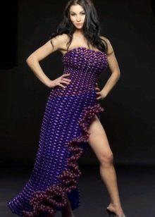 Вечернее платье с разрезом из воздушных шариков