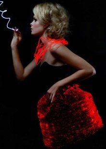 Вечернее платье бренда Rainbow Winters меняющее цвет красное