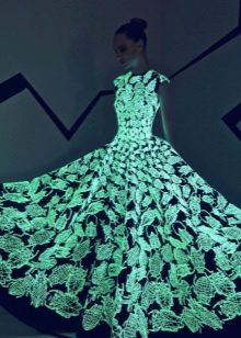 Светящееся вечернее платье