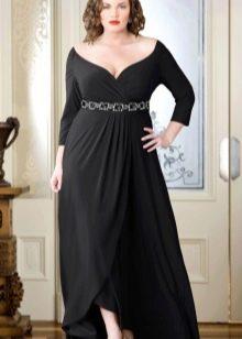 Вечернее платье с глубоким вырезом и запахом для 54 размера