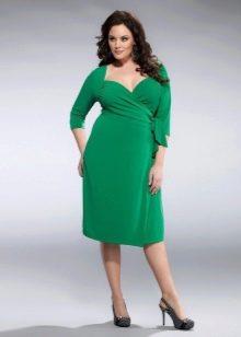 Зеленое вечернее платье с рукавами для 52 размера