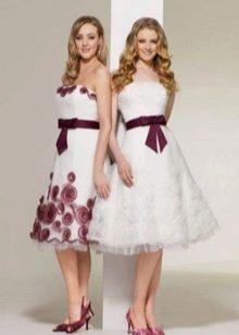 Свадебное платье с красной обувью