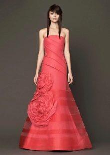 Свадебное платье кораллового цвета