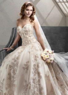 Платье свадебное со стразами