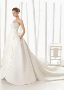 Атласное свадебное платье с отстегивающейся юбкой