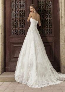 Свадебное платье а-силуэта со шлейфом в стиле прованс