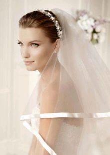 Свадебная диадема к свадебному платья