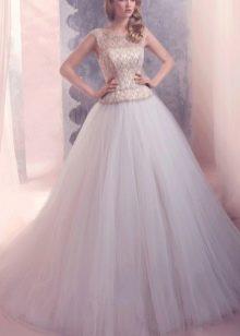 Свадебное платье а-силуэта кружевное