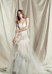 Свадебное платье многослойное
