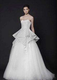 Свадебное платье фантазийного кроя