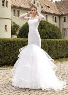 Свадебное платье русалка с пышной юбкой