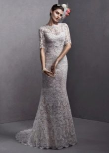 Ажурное прямое свадебное платье с рукавом коротким