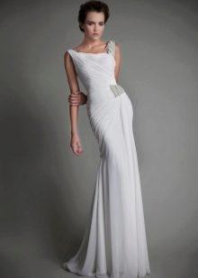 Элегантное свадебное платье прямое