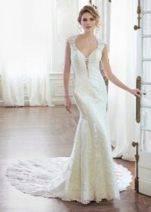 Элегантное кружевное прямое свадебное платье