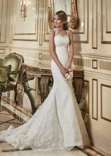 Элегантное кружевное свадебное платье на бретелях