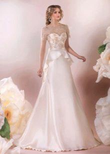 Элегантное свадебное платье с баской а-силуэта