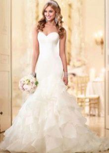 Элегантное свадебное платье русалка с пышной юбкой