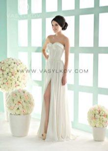 Свадебное платье с разрезом от Василькова