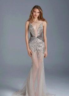 Вечернее платье с вышивкой и бисером
