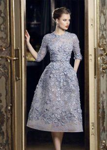 Вечернее кружевное платье в стиле нью лук