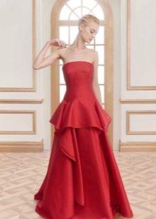 Красное шелковое платье с баской вечернее