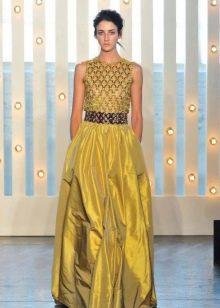 Желтое пышное вечернее платье
