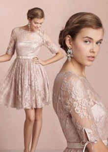 Вечернее кружевное платье для нового года