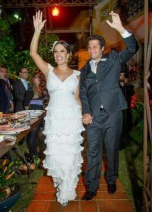 Вязанное свадебное платье многоярусное крючком