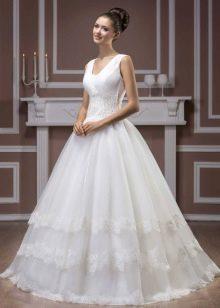 Свадебное платье из коллекции Diamond от Hadassa с кружевом