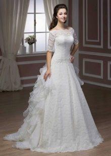 Свадебное платье из коллекции Luxury от Hadassa а-силуэта
