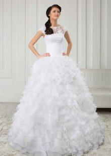 Свадебное платье из коллекции White очень пышное