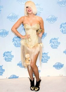 Вечернее платье из волос Леди Гаги