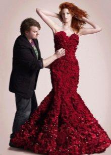 Вечернее платье из цветов русалка