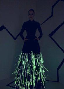 Вечернее платье светящееся в темноте