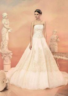 Свадебное платье от Папилио с вышивкой