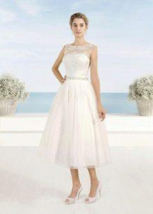 Свадебное платье миди с тонким плясом