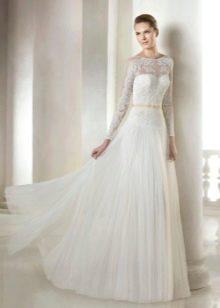 Свадебное платье из коллекции Modern Bride от San Patrick закрытое