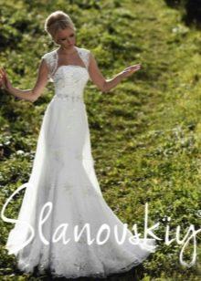Свадебное платье декорированное жемчугом от Слановски