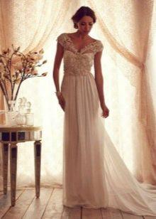 Свадебное платье из коллекции  Gossamer от Анны Кэмпбелл с декорированным поясом