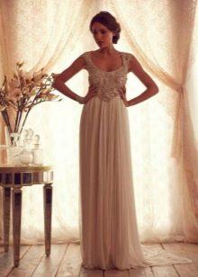 Свадебное платье из коллекции Gossamer от Анны Кэмпбелл на бретелях