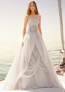 Свадебное платье от Веры Вонг из коллекции 2011
