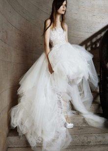 Свадебное платье от Веры Вонг короткое спереди
