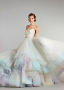Бело-голубое свадебное платье с сиреневым