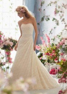 Кремовое свадебное платье от Мори Ли