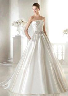 Свадебное платье жемчужного цвета