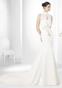 Белое свадебное платье с американской проймой