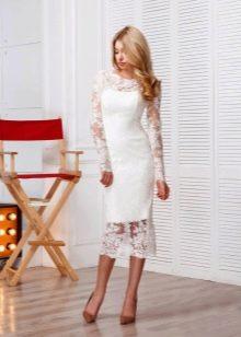 Кружевное свадебное платье миди