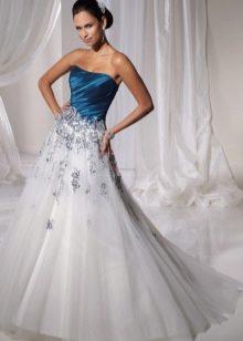 Белое свадебное платье с синим корсетом