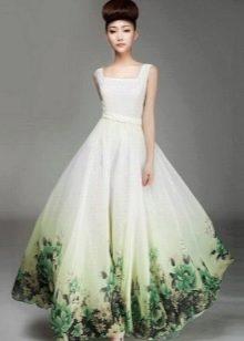 Белое свадебное платье с зеленым рисунком
