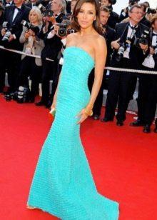 Ярко-бирюзовое длинное платье